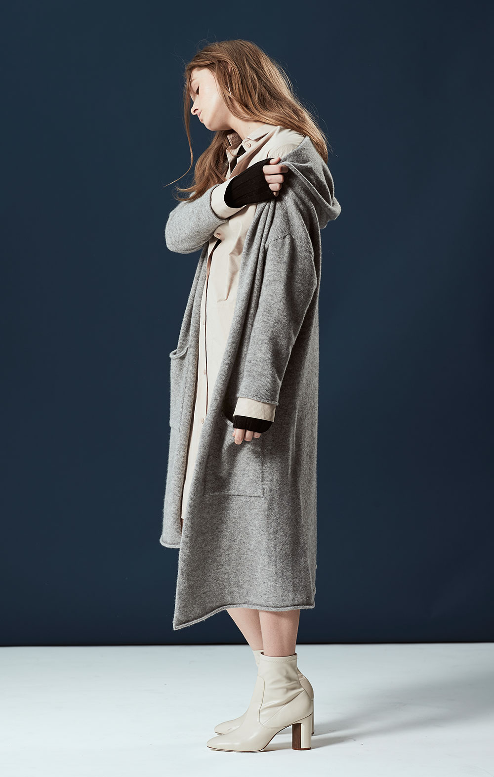 Cashmere-blend Hooded Cardigan FBK090-GRY Open Sleeve Shirt Dress FBD050-BEG Long Sleeve Ribbed Pullover FBK012-BLK
