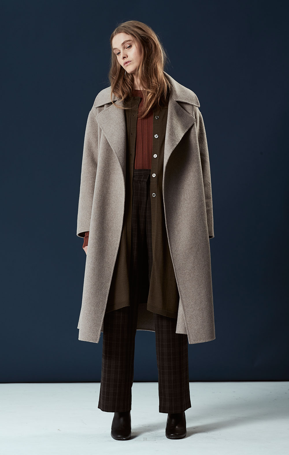Wool-blend Handmade Coat FBJ072-TAU Cashmere-blend Side Slit Cardigan FBK010-OLV Long Sleeve Ribbed Pullover FBK012-BRN Tie Front Wide-leg Pants FBP035-BRN