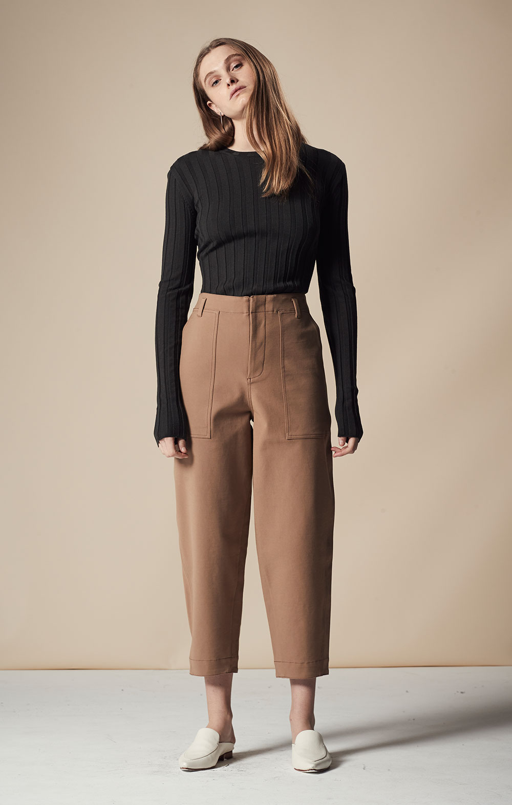 Long Sleeve Ribbed Pullover FBK012-DGR Pocket Detail Cropped Pant FBP030-BEG