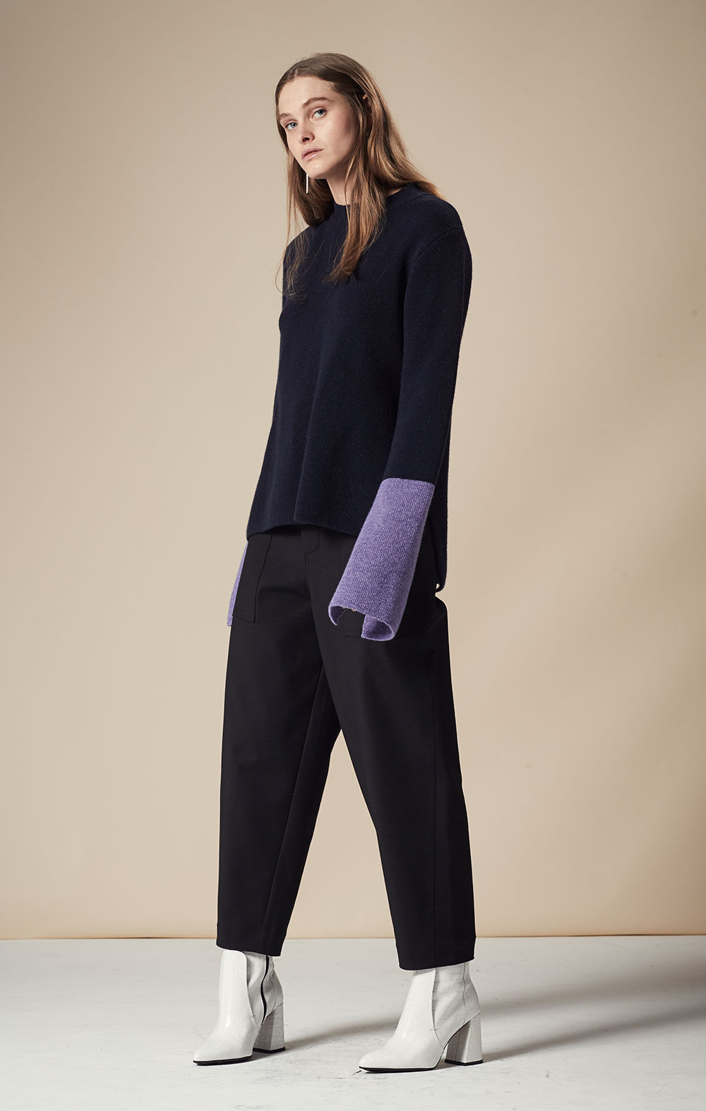 Cashmere-blend Color Block Pullover FBK094-NVY/PUR Pocket Detail Cropped Pants FBP030-BLK