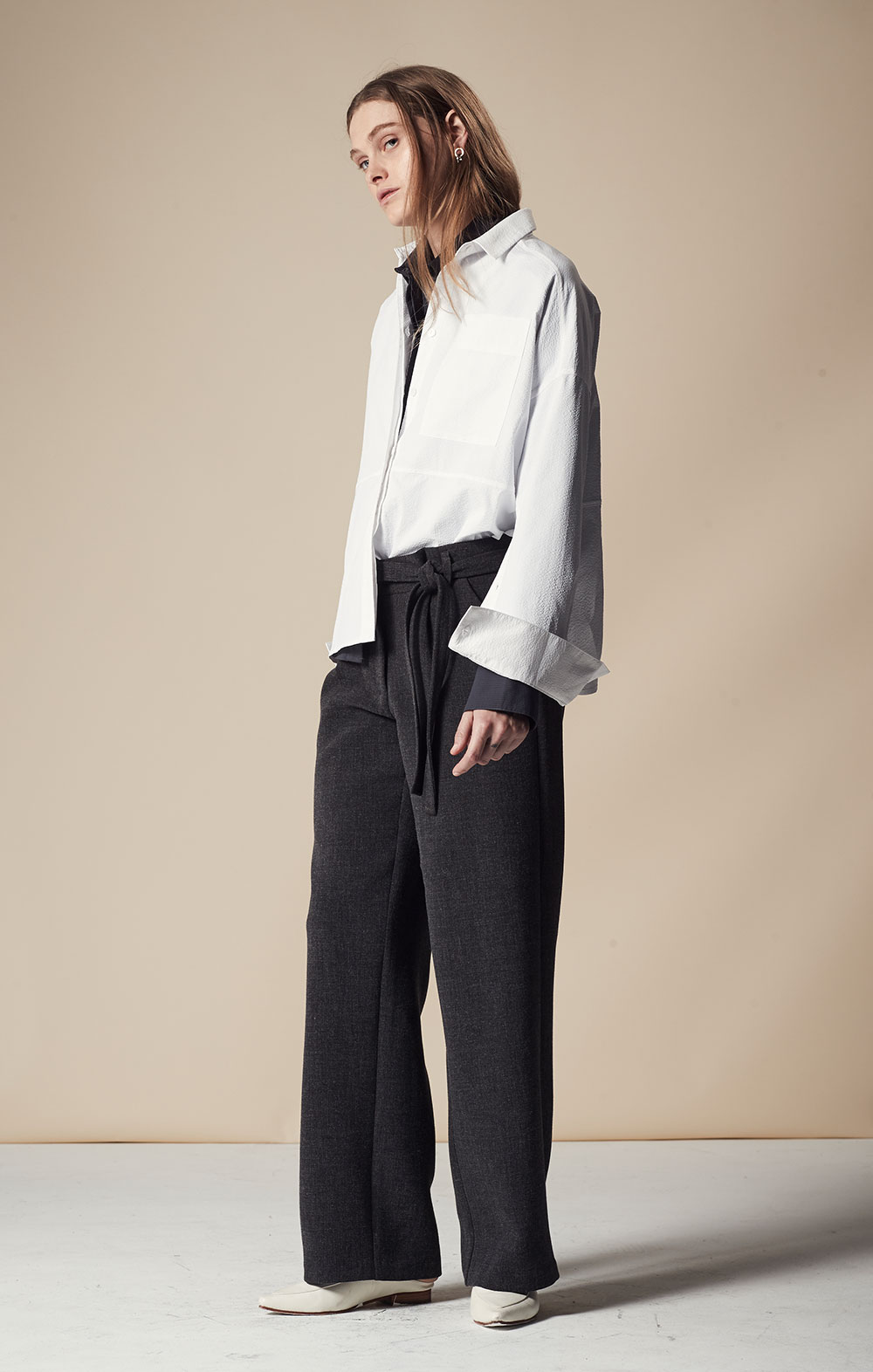 Open Sleeve Striped Shirt FBT020-WHT Open Sleeve Striped Shirt FBT020-BLK Tie Front Wide-leg Pants FBP035-CHR