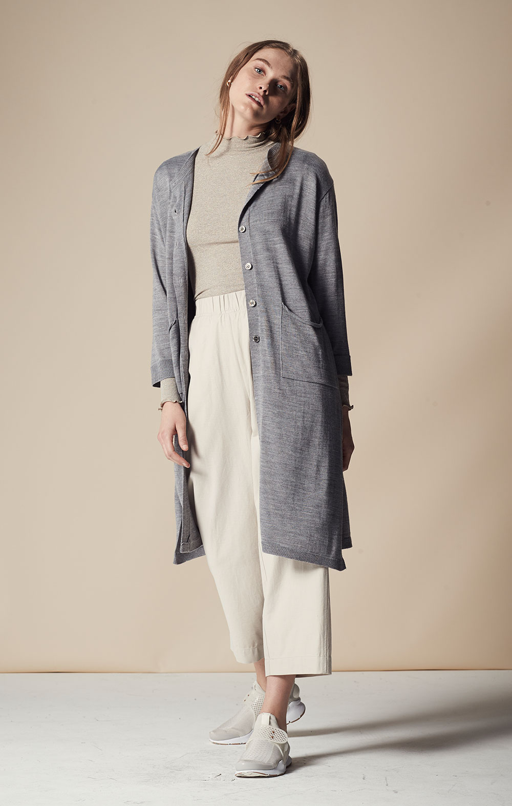 Cashmere-blend Side Slit Cardigan FBK010-GRY Elastic Waist Washed Cotton Pants FBP042-CRM