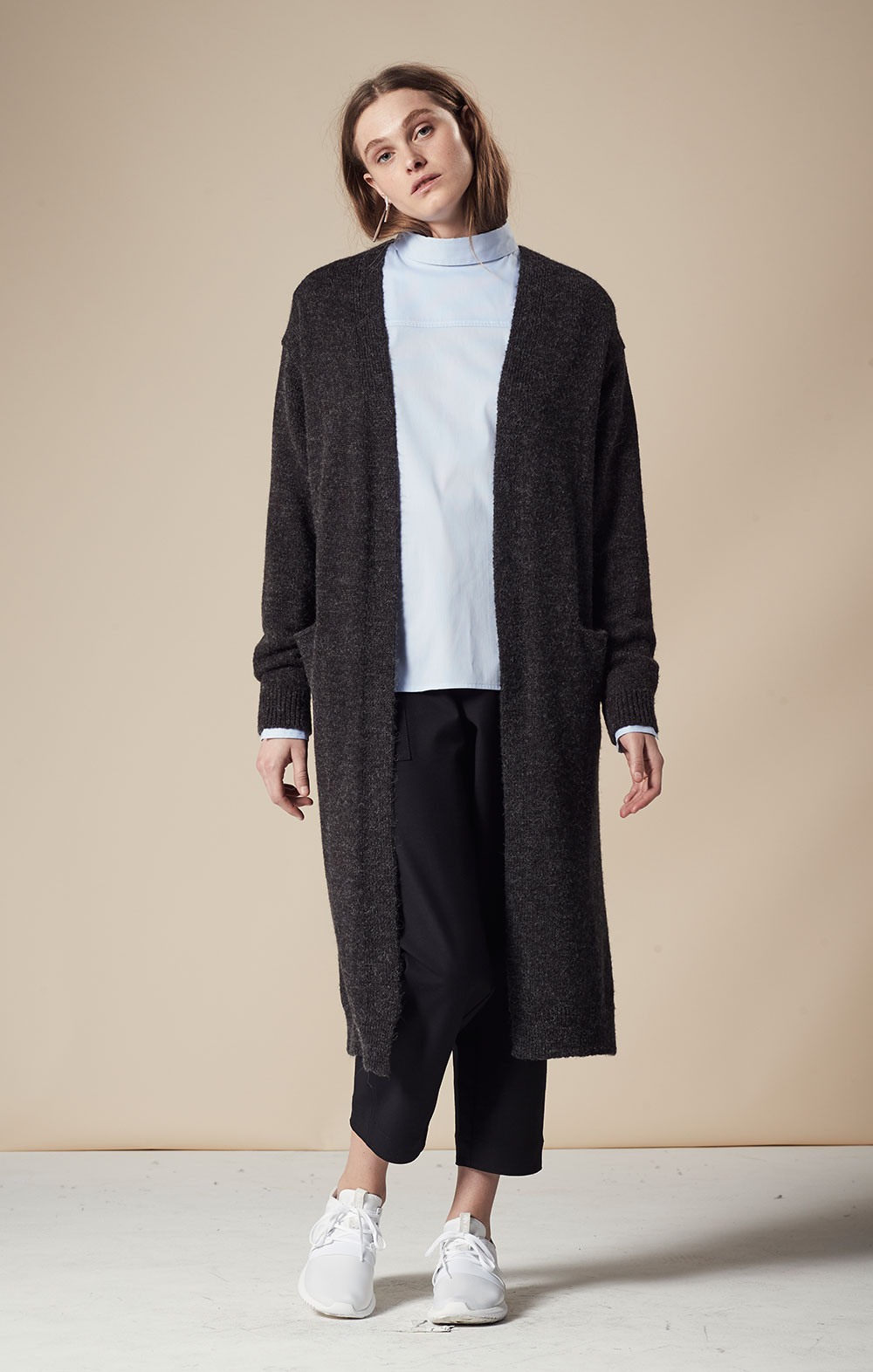 Alpaca-blend Long Cardigan FBK092-CHR Thin Striped Open Back Shirt FBT025-LBL Pocket Detail Cropped Pants FBP030-BLK