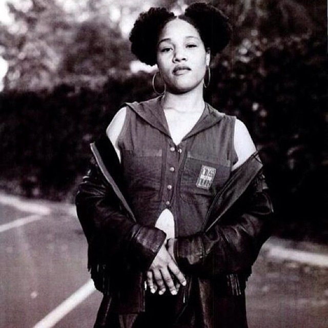 Lady of Rage…rocking them Afro puffs!! 😍👊💢 #LadyofRage #FemaleEmcees #WestCoasthiphop #WestCoastrappers #deathrowrecords #afropuffs