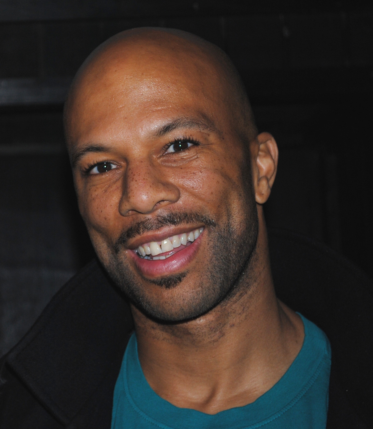"""xurbanmusicmagazine :     Photo by Anthony Alden     Can Rappers help reduce violence?     Grammy-award winning hip-hop artist Common, who has openly worried about the violence in Chicago, was in his hometown Friday to help celebrate the city's music scene when he was confronted with a brutal reminder of what he's been talking a story about a hail of gunfire that wounded 13 people.  """"It makes me think I got to do more; we got to do more,"""" he said in an interview with The Associated Press after giving a speech as the keynote speaker at the Chicago Music Summit, a conference to help local musicians and music professionals with their careers.Police say Thursday night's shooting appears to be gang related.      Read more at:  http://whoshotyouanthonyalden.blogspot.com/2013/09/can-rappers-can-help-reduce-violence.html"""
