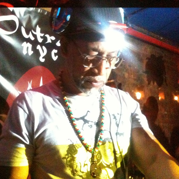 vithym: The father of Hip Hop DJ Kool Herc spinning right now at Sutra! W/ @rebeldiaz #HipHop #KoolHerc #TonyTouch #RDACBX #BuildingCommunity #Bronx #Brooklyn #Queens #Mahattan #Staten #nyc http://hiphopsmithsonian.com/kool-herc-bio