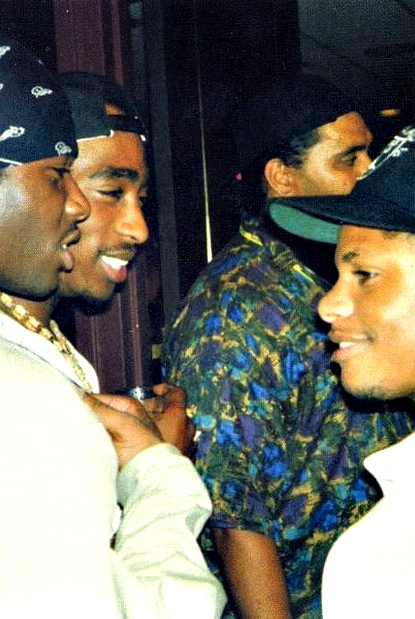 spaz0ut :     Tupac & Eazy Motherfucking E meeting!