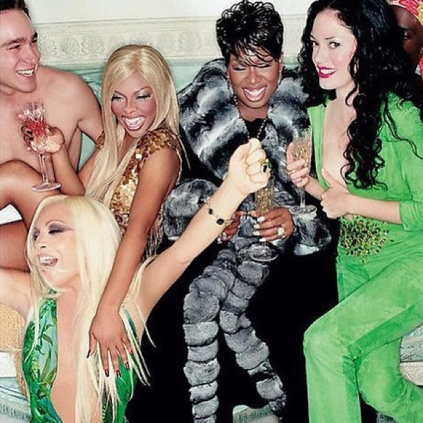#VERSACE #VERSACE #VERSACE #VERSACE We having a party!! 💚💚🙌 #tbt #lilkim #missyelliott