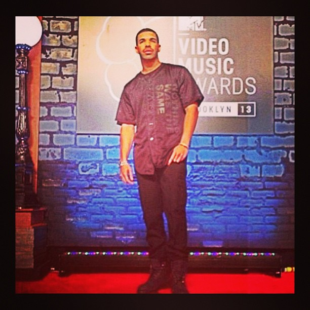 Drake on the red carpet #drake #drizzy #vmas2013 #vmas