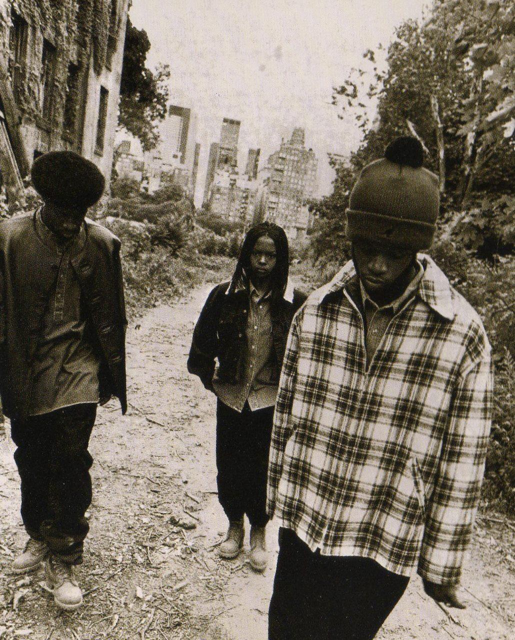travi-trav :     Fu Gee La       http://hiphopsmithsonian.com/lauryn-hill