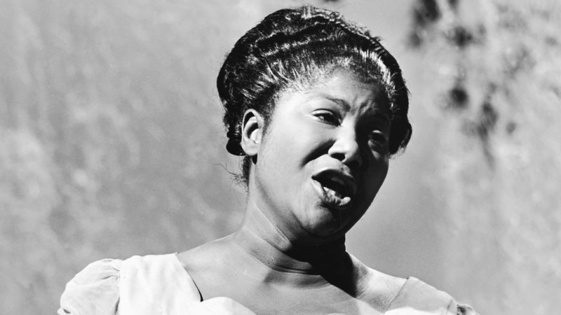 "culturedsoul: Happy Birthday to Mahalia Jackson ""The QUEEN of Gospel"", she would have been 102 today."