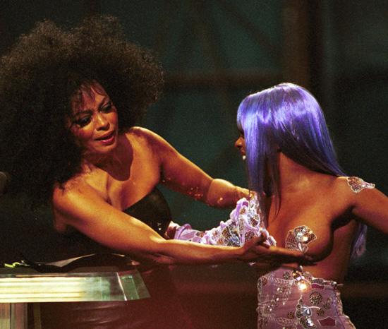 90shiphopraprnb :      Diana Ross and Lil' Kim (1999)