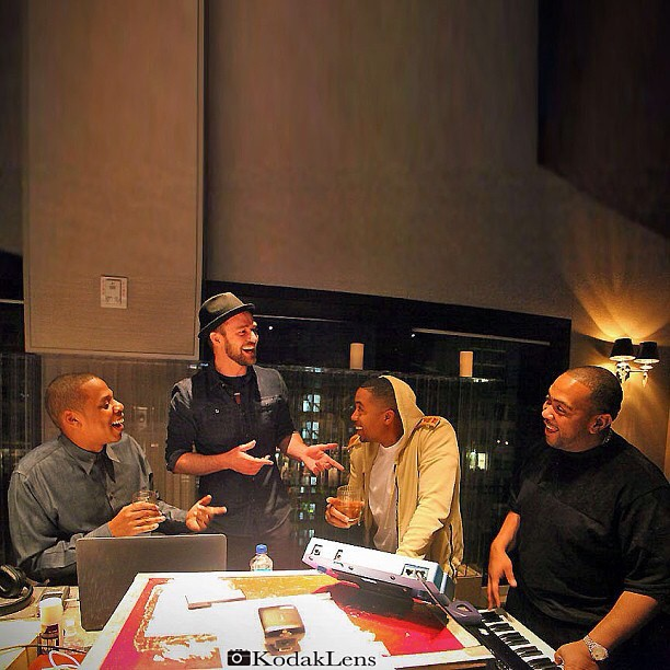 addacapo: #JayZ #JustinTimberlake #NAS & #Timbaland. Hoc cooking up some sick shit. #Drake and #Raekwon already showed up. Who's Next? #ReasonableDoubt2