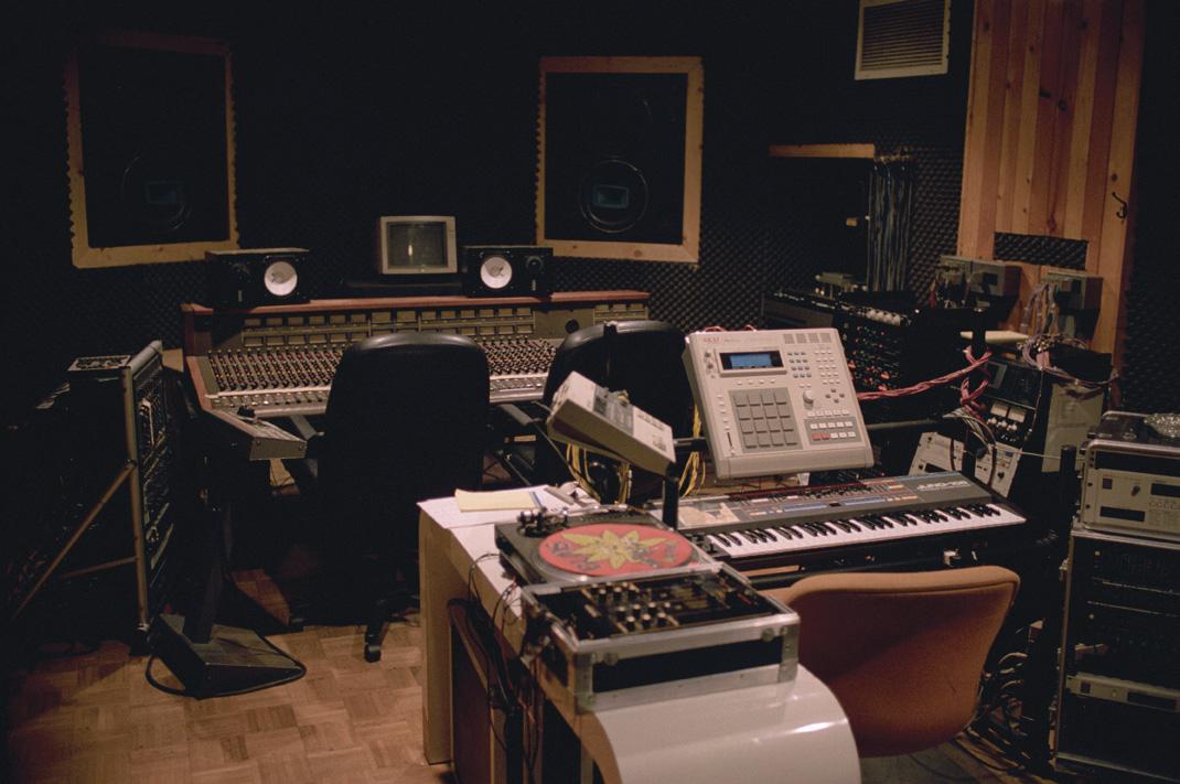 convectors :     DJ Premier'studio