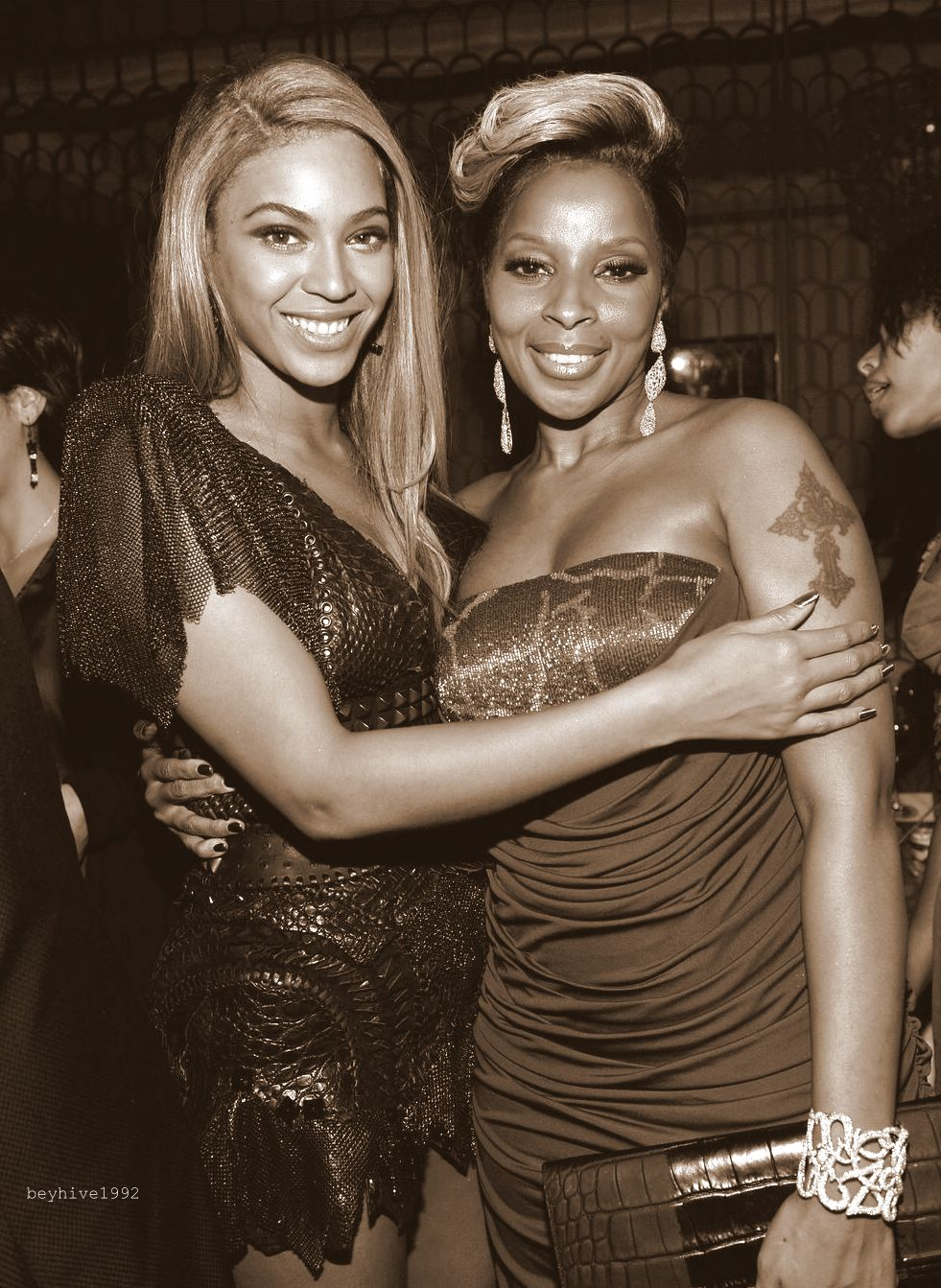 """beyhive1992: """"I love Beyonce to death. I respect her, the upmost highest"""" Mary J Blige on Beyonce"""