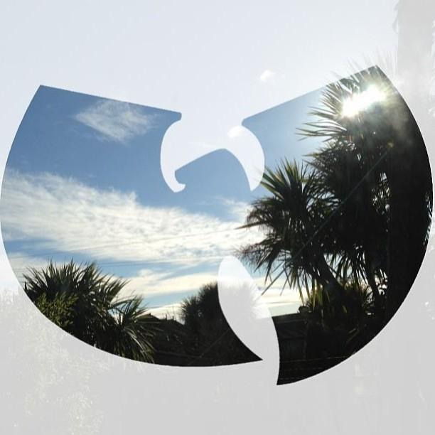 hahsonaskew :     #wuwednesday 👐      http://hiphopsmithsonian.com/wu-tang-clan/