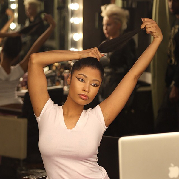 Nicki-Minaj-shows-off-real-hair-on-Instagram-4.jpg