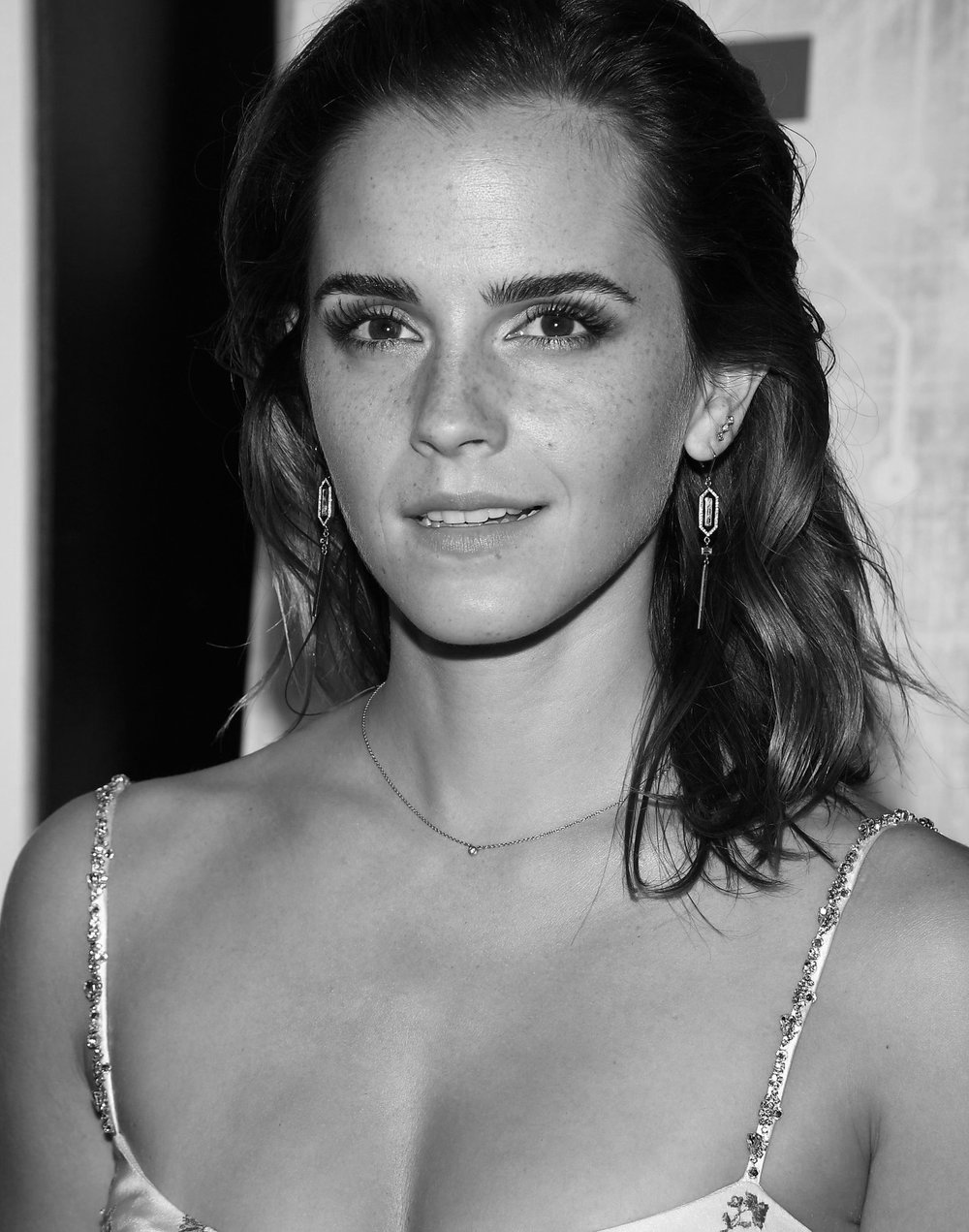 EMMA WATSON  N/S DIAMOND EARRINGS  RED CARPET