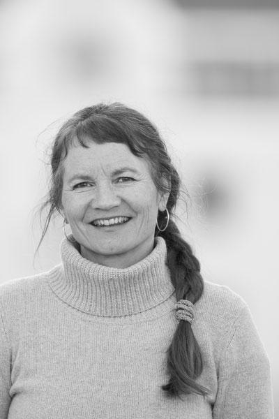 Anna Tokle Amundsen - Tjenestedesigner/Grafisk designerDaglig lederanna@annadesign.no(+47) 905 86 228