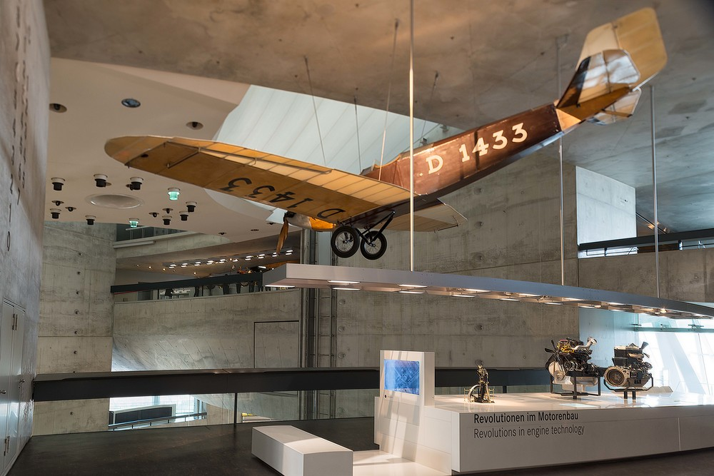 Klemm-Daimler L 20 lightweight aircraft.   The L 20 was developed as a sports and travel aircraft by Hans Klemm at Daimler-Motoren-Gesellschaft in 1923; he produced it himself from 1926 following his departure from the company.