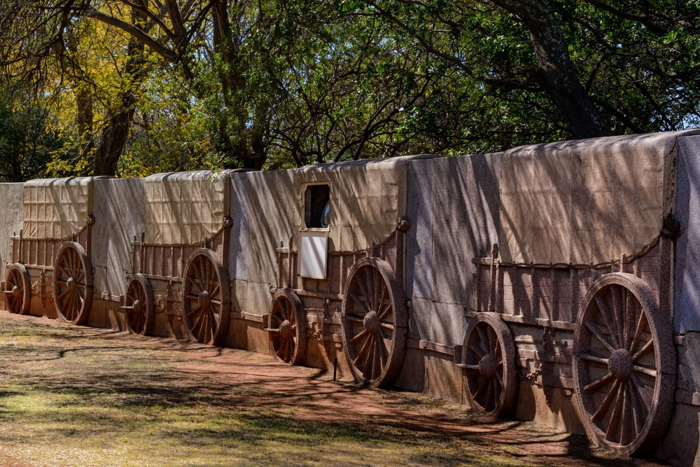 Around the monument is a big lager consisting of 64 ox-wagons made out of decorative granite.