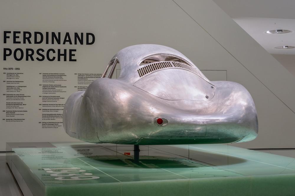 Porsche Museum - 001.jpg