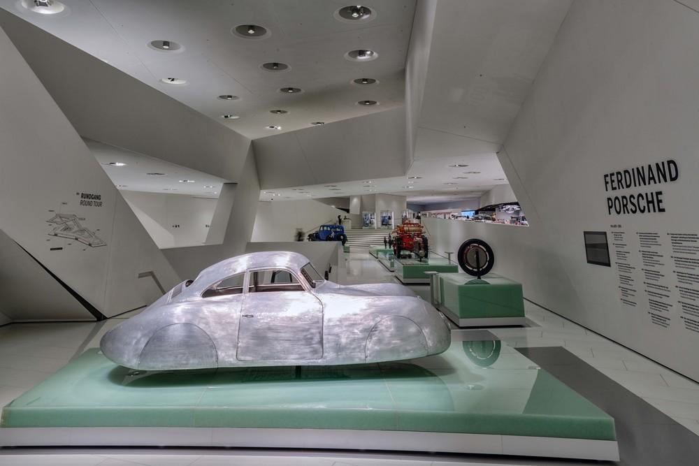 Porsche Museum - 002.jpg