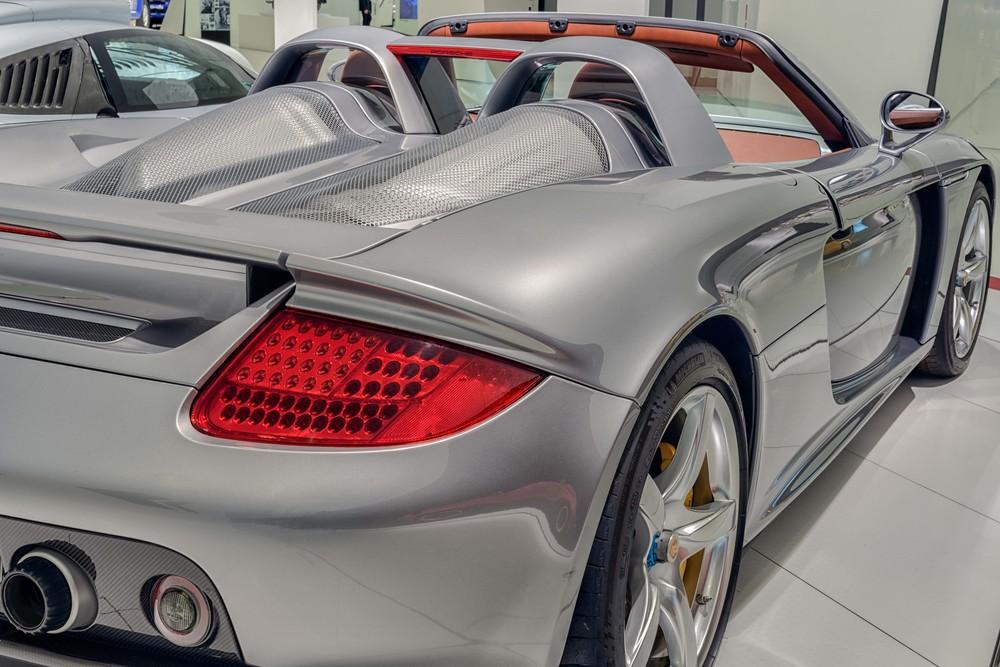Porsche Museum - 024.jpg