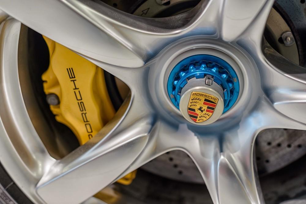 Porsche Museum - 025.jpg