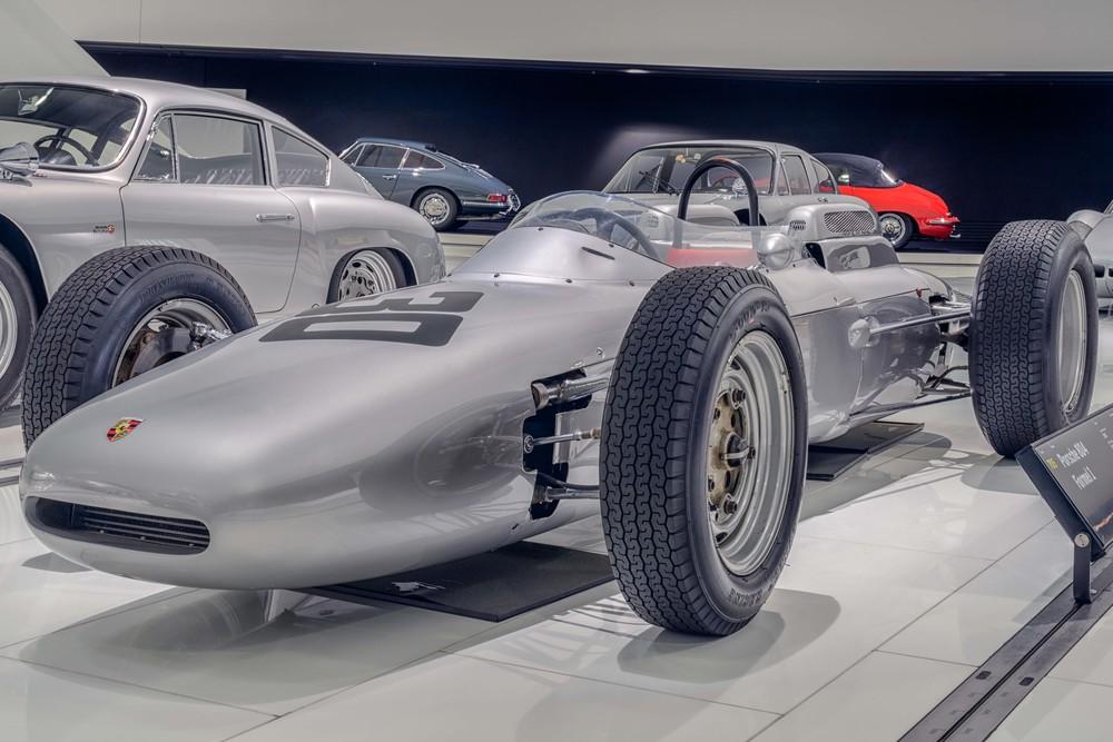 Porsche Museum - 005.jpg