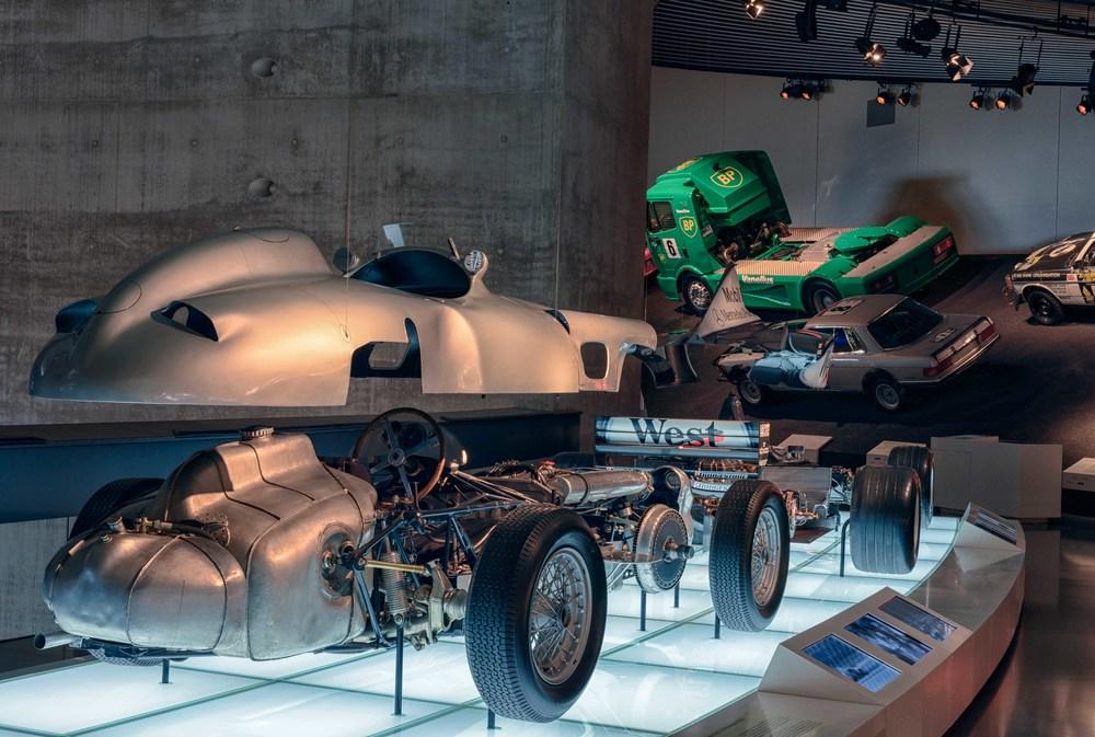 Mercedes-Benz-016a.jpg