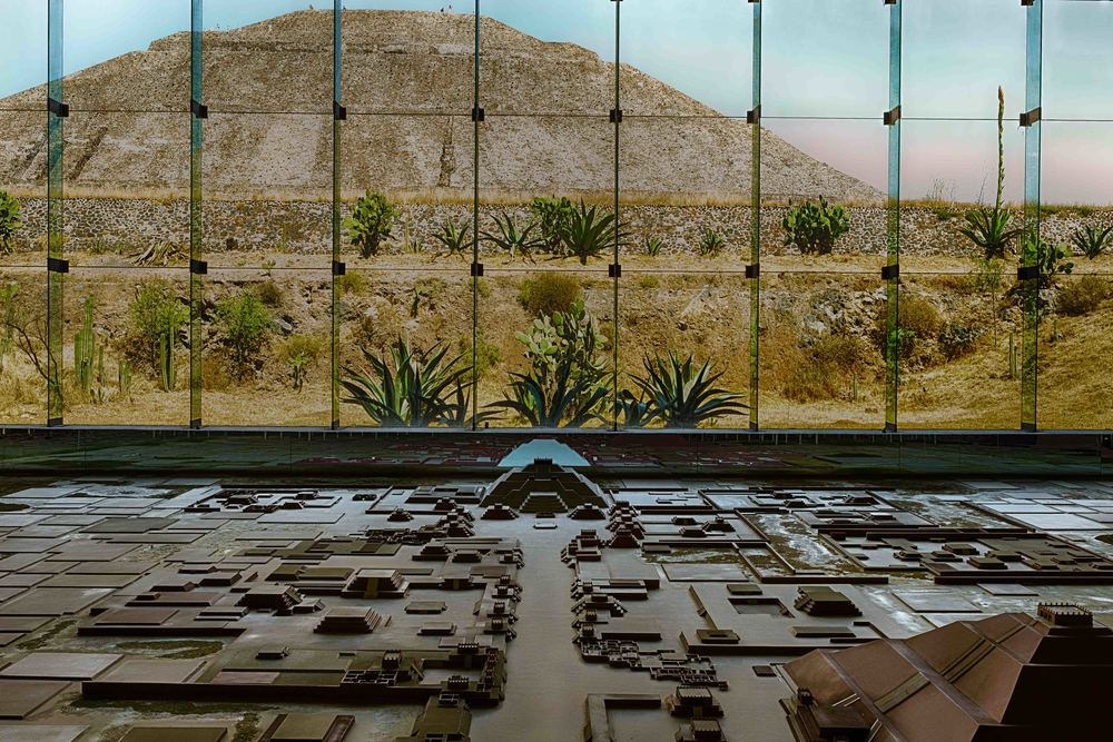 Sun Pyramid and the Teotihuacan Diorama at the Teotihuacan Museum.