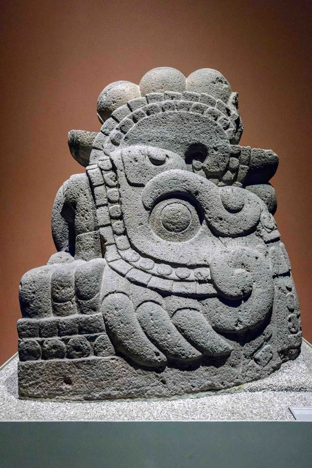 Xiuhcoatl. In the Mexica cosmogony, the fire serpent Xiuhcoatl constituted the principle weapon of the god-sun Huitzilopochtli. This mythic animal was in charge of leading the sun across the sky and may be indentified by its reptile body with strong lizard-like extremities, as well as a horn which protrudes from its nose.