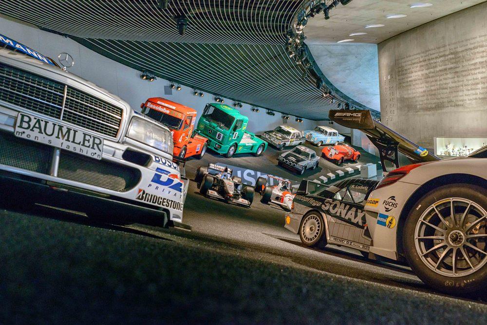 Mercedes-Benz-007a.jpg