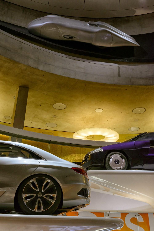 Mercedes-Benz-023a.jpg