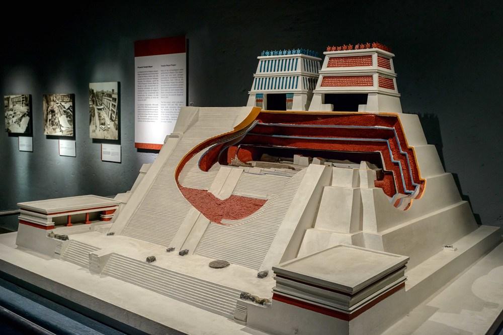 Templo-Mayor-Museum-002a