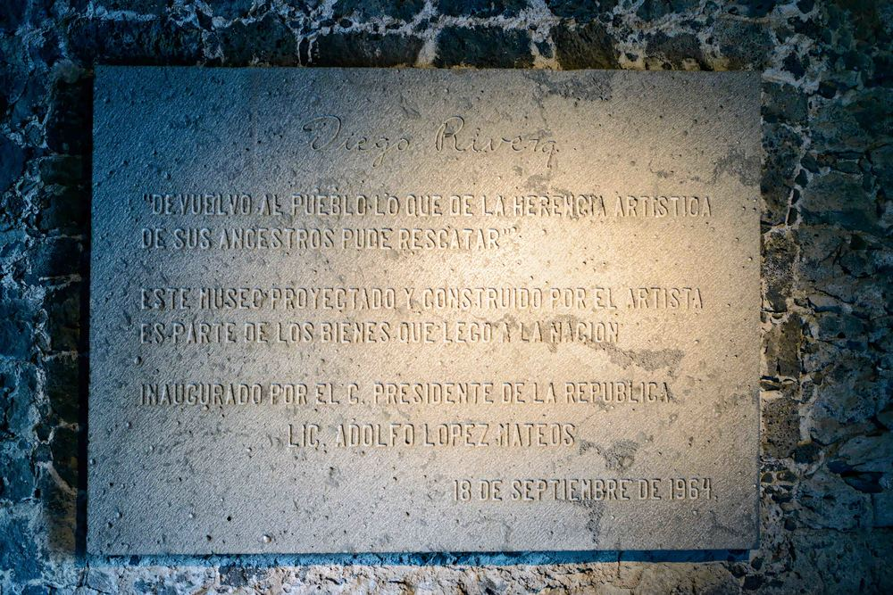 Inscription at the entrance to the Anahuacalli Museum in Mexico City.