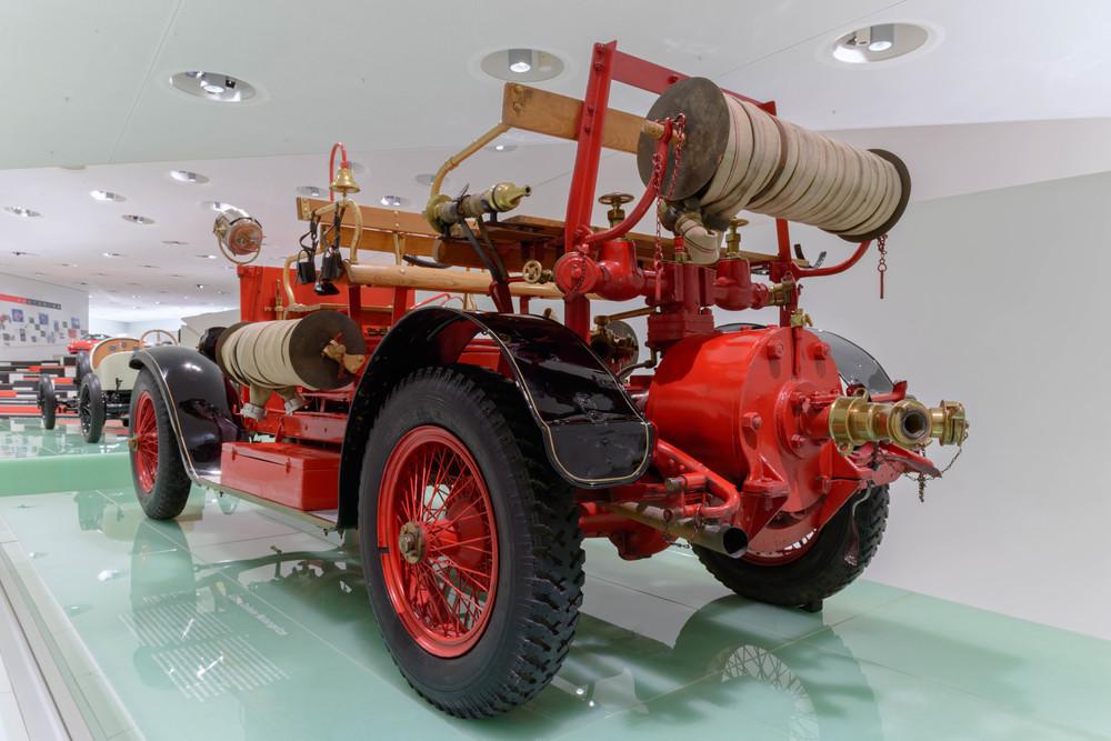 Austro-Daimler fire truck, 1892.