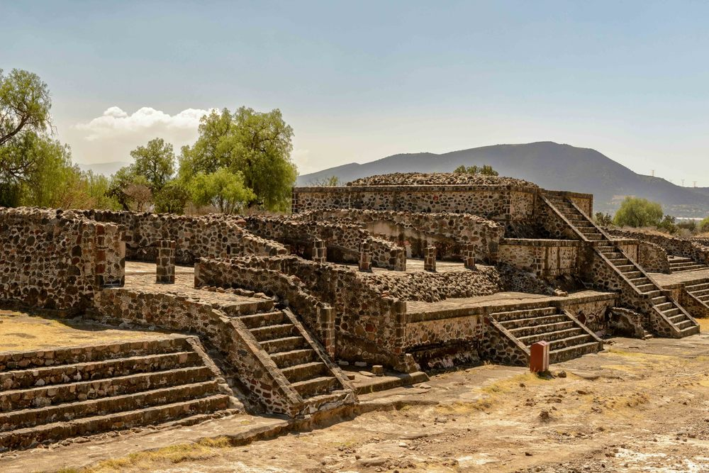Platform along the Avenue of the Dead showing the talus-tablero architectural style.