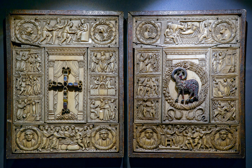 "Evangeliary cover known as ""Diptych of the five parts"" , Roman workshop, last quarter of 5th century. Duomo di Milano, Museum."