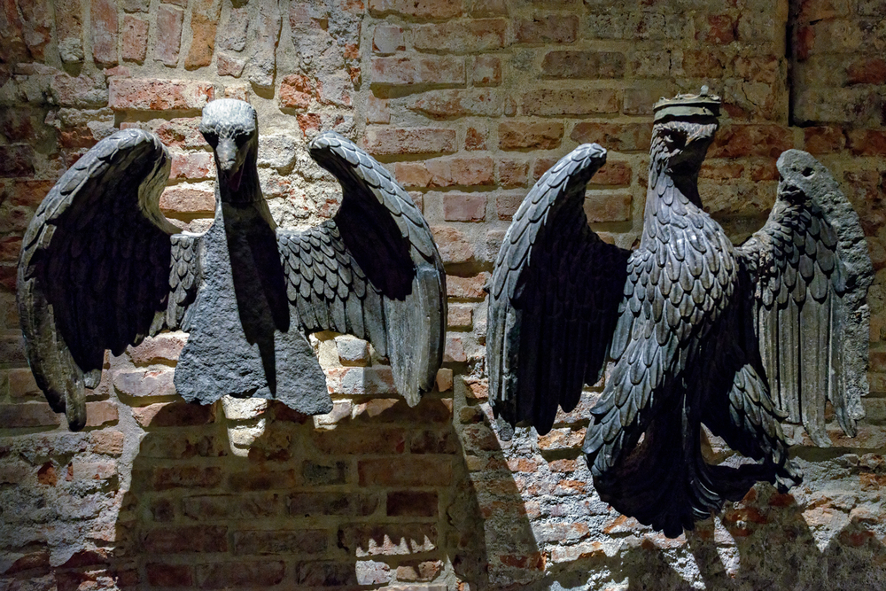 Eagle and Crowned Eagle,  Lombard sculpture, early 15th century. Duomo di Milano, Museum.