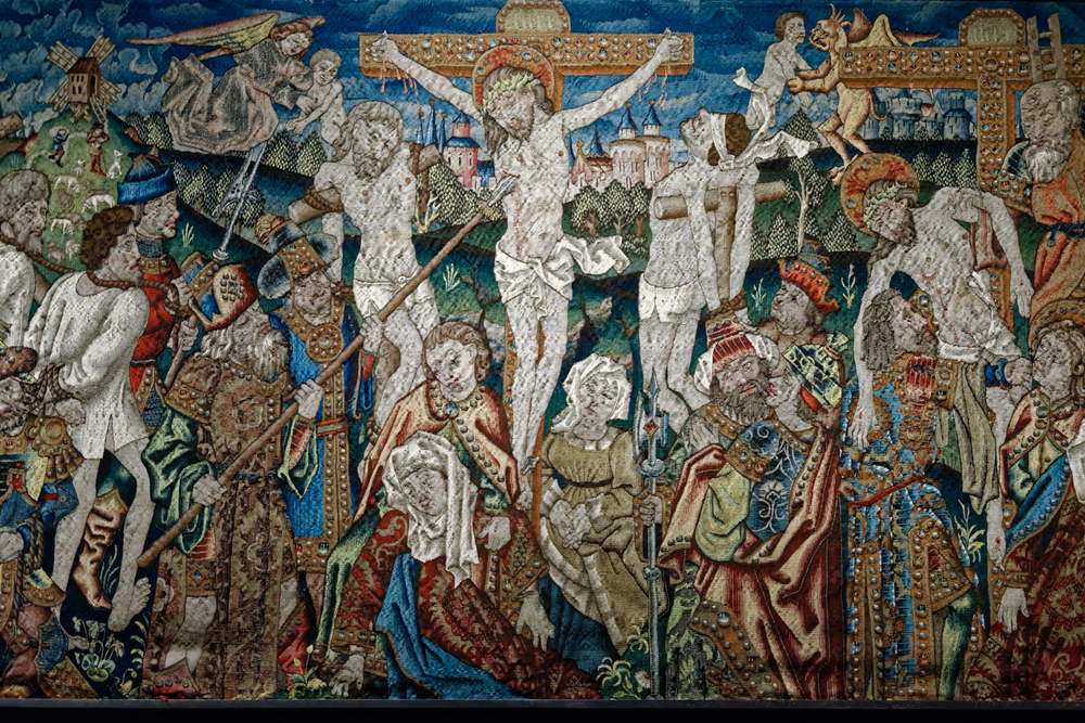 Episodes from the Passion of Christ.  Franco-Flemish manufactury to cartoon by Flemish painter, 1467-1468. Wool, silk, silver and golf weft. Duomo di Milano, Museum.