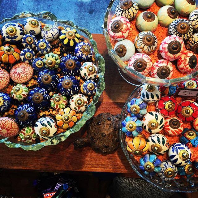 😍 hellooooooooooooooooooo, knobs! . . . . #2yokedesign #indiandecor #handmade #knobs #colormehappy #ceramicknobs #stampedmetal #colorful #indiancolors @hillstationofashland