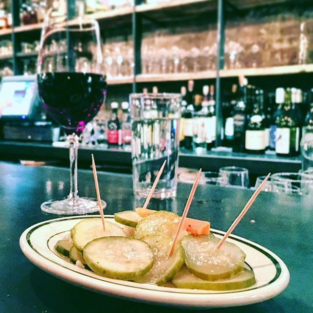 🙌🏼🆗 Caution: Tiny foods with toothpicks may encourage tiny sword fights after a few glasses of wine. Happy Friday 😉! #HappyHour