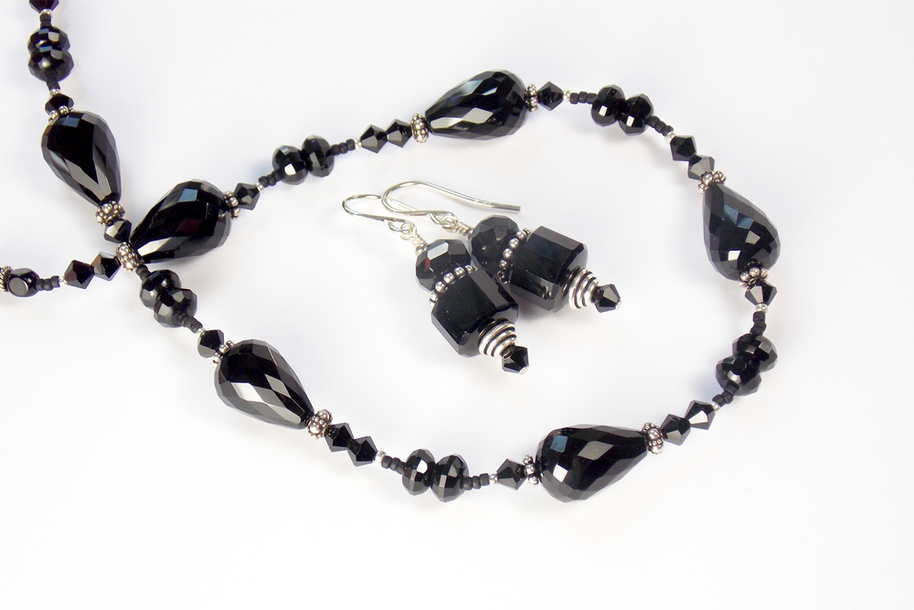 black onyx teardrops repetitive.jpg