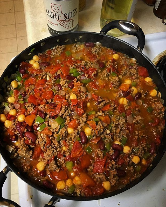 Moms chili recipe and some red wine to match a long soggy day in the bay. Stay cozy out there. #chilicookoff #bestcoastwines