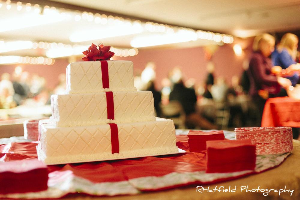 Christmas_present_wedding_cake