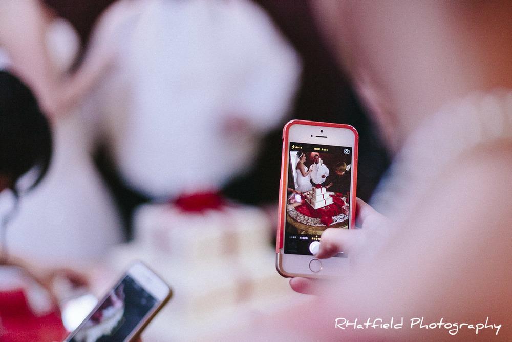 cutting_the_cake_iphone