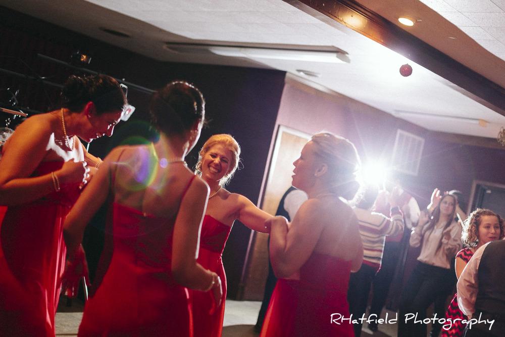 bridesmaids_dancing_greensburg