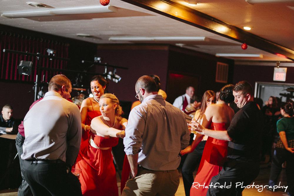 group_dancing_greensburg_wedding